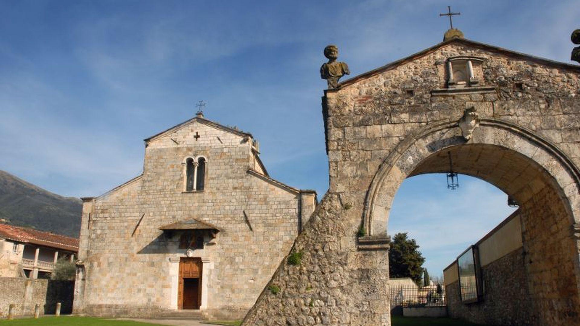 abbazia di san pietro a camaiore