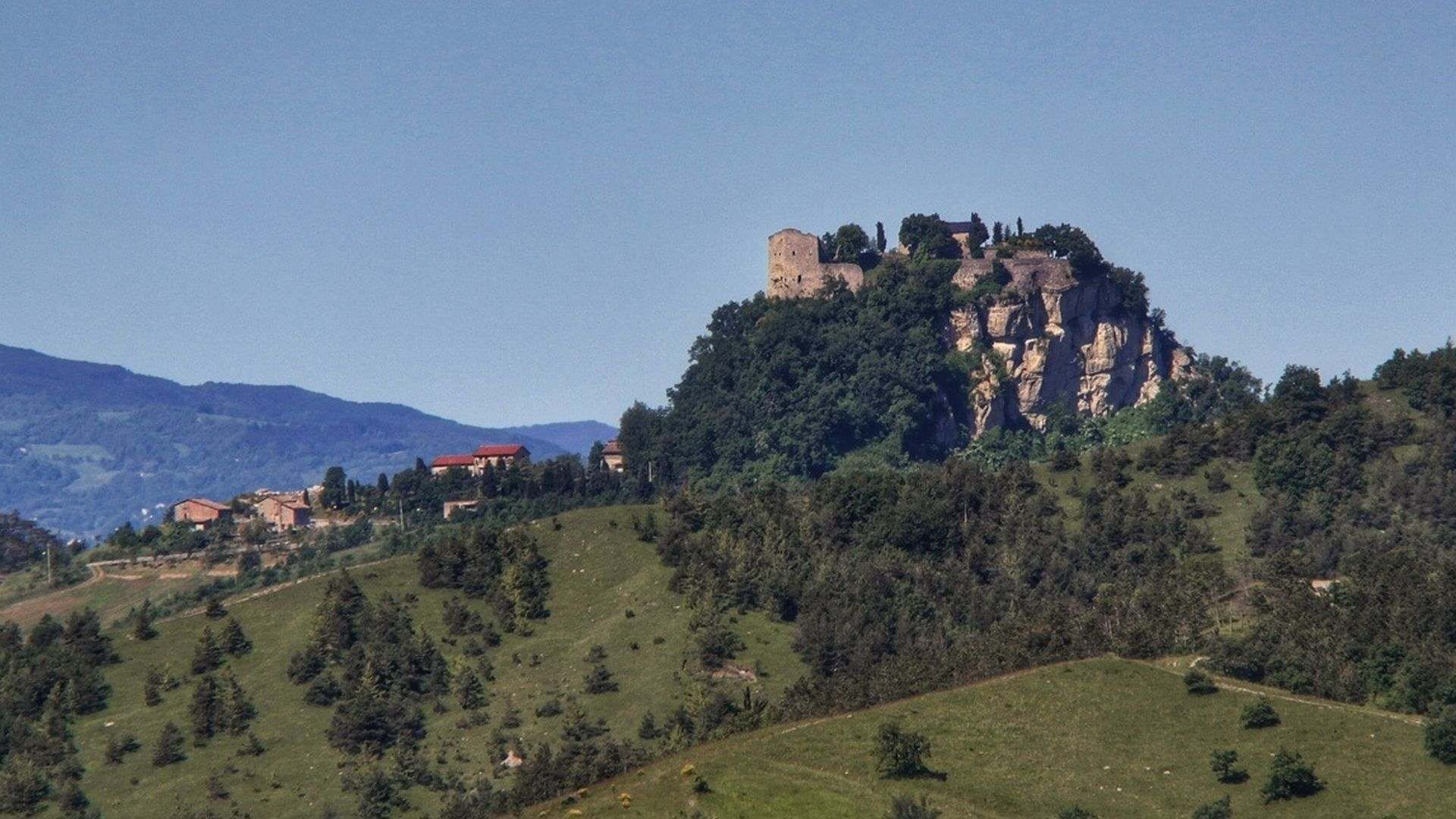 The Canossa castle