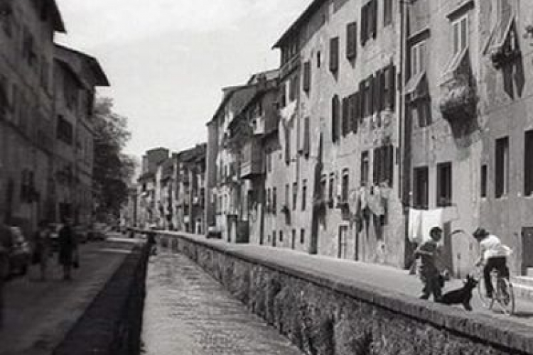 black and white photo of a view on Via dei Fossi