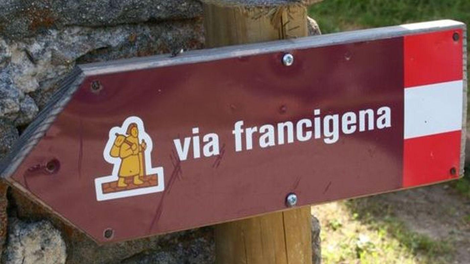 segnaletica lungo la via Francigena